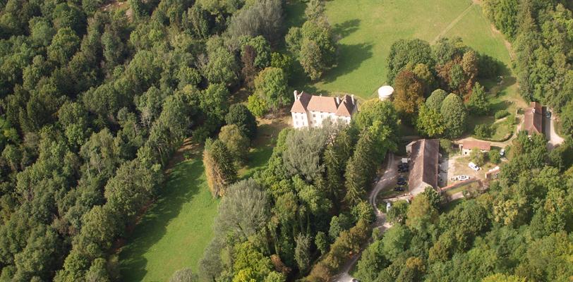 Lde château de Lusigny vu du ciel