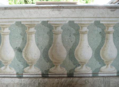 Château de Lusigny détail du décor du salon gris