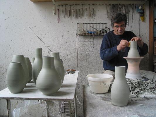 Phlippe Rouhier dans son atelier