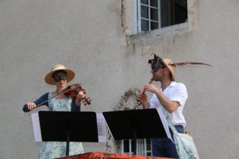 Alice Julien-Laferrière et Matthieu Bertaud jouent une sérénade